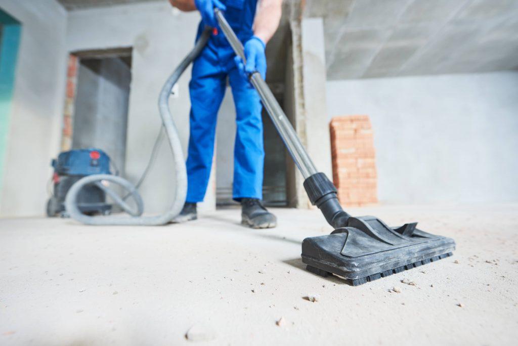 Curățenie după constructor